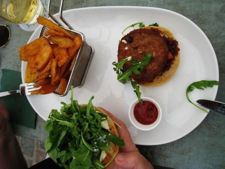 wunderbares Essen im Vegetarierrestaurant DER GRÜNE MICHEL am Marktplatz